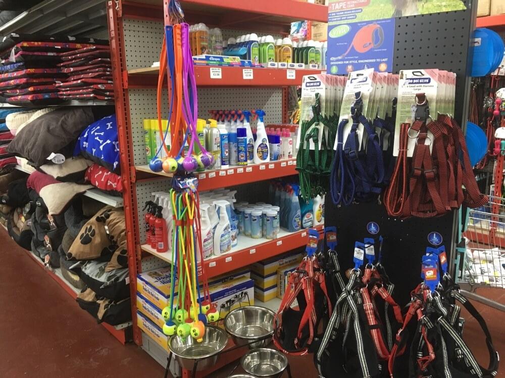 waites-discount-warehouse-pets-1